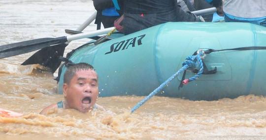 Tiến về Việt Nam, bão Tembin làm 133 người chết ở Philippines - Ảnh 2.