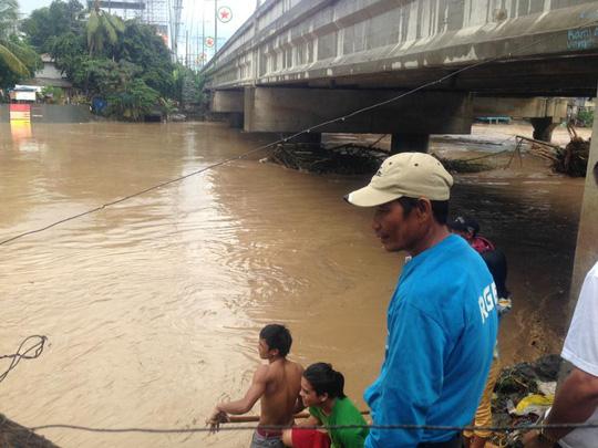 Tiến về Việt Nam, bão Tembin làm 133 người chết ở Philippines - Ảnh 6.