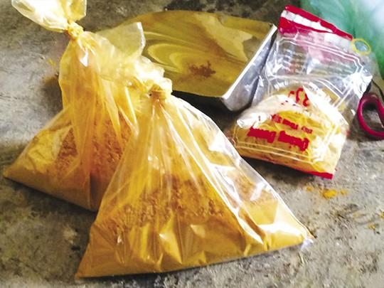 Trộn hoá chất trong thức ăn chăn nuôi: Làm ăn gian dối, coi thường sức khoẻ người dùng - Ảnh 2.