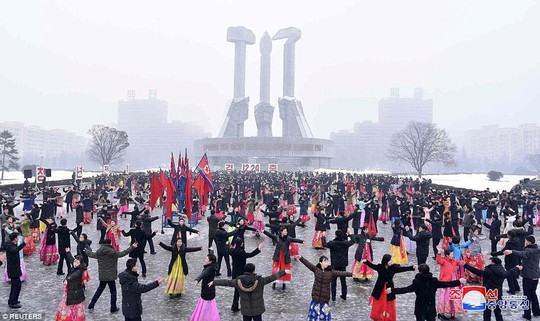 Tại sao Triều Tiên tổ chức lễ tưởng niệm lớn cho bà Kim Jong-suk? - Ảnh 4.
