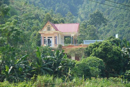 Kỳ tích xóm biệt thự tiền tỷ giữa rừng quế ở vùng đất Phong Hải - Ảnh 2.