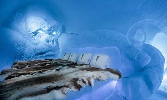 Thụy Điển mở cửa khách sạn xây từ băng tuyết - Ảnh 1.