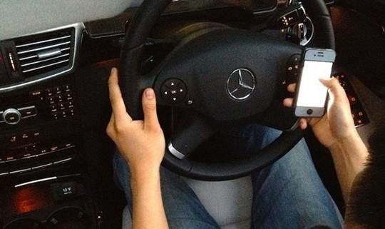 Kiến thức tài mới cần biết để lái xe ôtô an toàn khi đi xa - Ảnh 2.