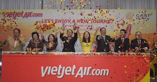 Vietjet mở đường bay Đà lạt – Bangkok đón lễ hội hoa quốc tế 2017 - Ảnh 1.