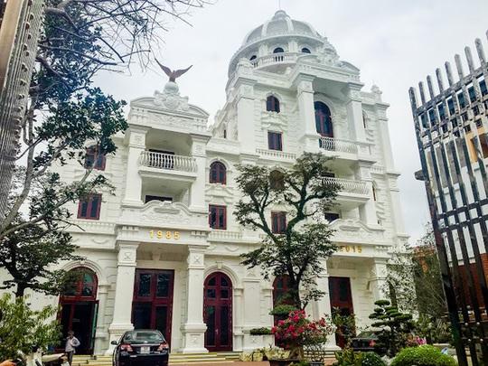 Toàn cảnh lâu đài của đại gia Phú Thọ
