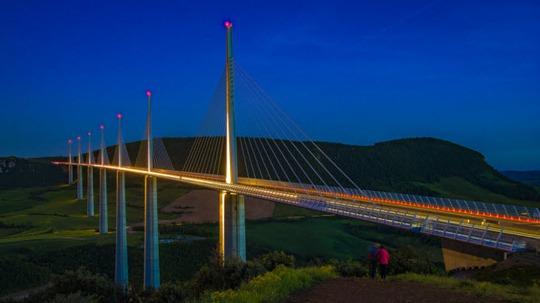 Tròn mắt trước 20 cây cầu có cấu trúc ấn tượng nhất thế giới - Ảnh 11.