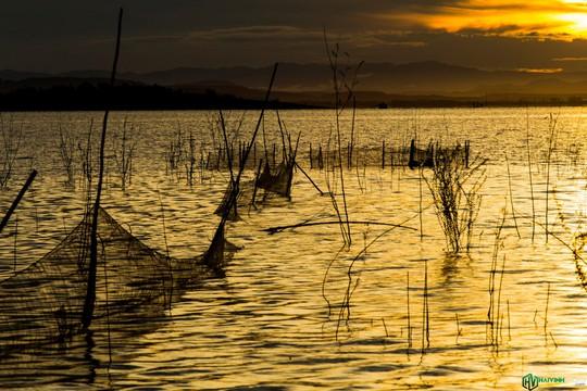 Bình minh tuyệt đẹp ở làng chài trên sông Đồng Nai - Ảnh 11.