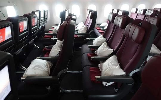 Bên trong phi cơ sẽ thực hiện chuyến bay dài nhất thế giới - Ảnh 11.