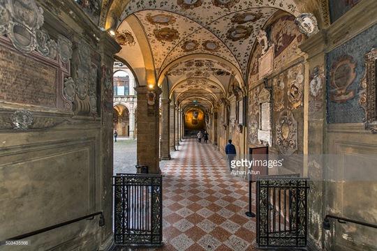Kiến trúc độc đáo của trường đại học hơn 900 năm tuổi - Ảnh 12.