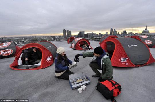 Hang Sơn Đoòng nằm trong các khu cắm trại độc đáo nhất thế giới - Ảnh 12.