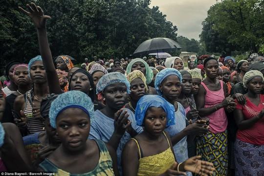 Để được kết hôn, nam thanh niên Senegal sống trong rừng một tháng - Ảnh 12.