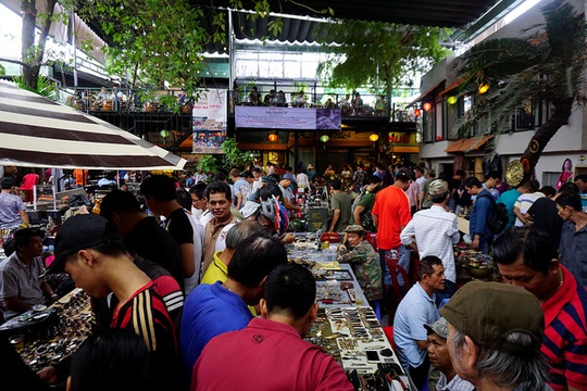 Chợ ve chai nghìn đô giữa lòng Sài Gòn - Ảnh 12.