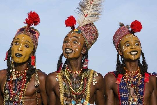 Bộ tộc kỳ lạ, đàn ông thi sắc đẹp mới lấy được vợ - Ảnh 12.