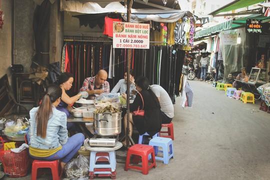 Sắc màu bình dị tại chợ hoa lớn nhất Sài Gòn - Ảnh 13.