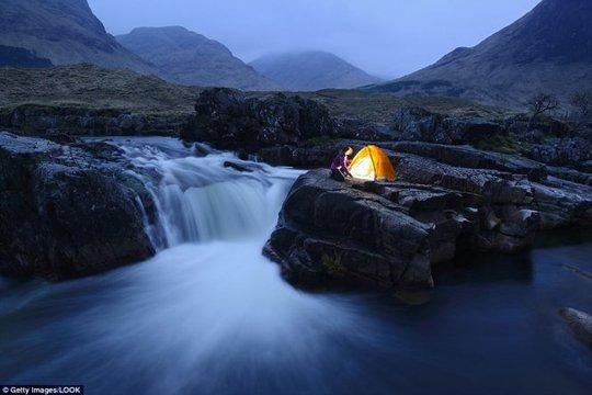 Hang Sơn Đoòng nằm trong các khu cắm trại độc đáo nhất thế giới - Ảnh 13.