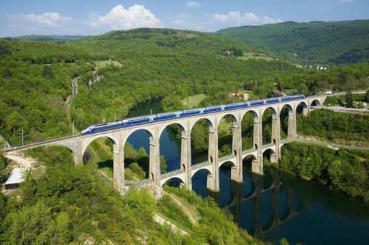 Tròn mắt trước 20 cây cầu có cấu trúc ấn tượng nhất thế giới - Ảnh 14.