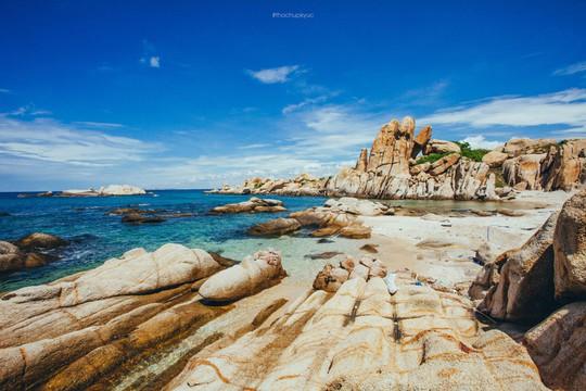 Sướng mắt với biển, đá và cua ở cù Lao Câu - Ảnh 14.