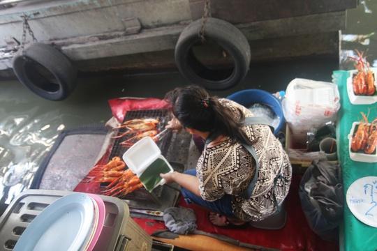 Đi chợ nổi Taling Chan ở Bangkok - Ảnh 14.
