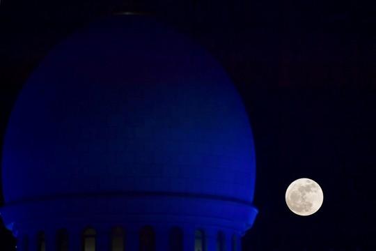 Hình ảnh siêu trăng 2017 trên bầu trời các nước - Ảnh 15.