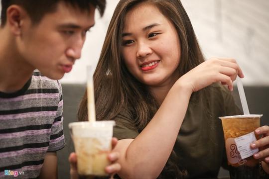 Tranh nhau từng m2 đất bán trà sữa ở Sài Gòn - Ảnh 16.