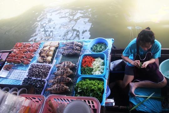 Đi chợ nổi Taling Chan ở Bangkok - Ảnh 17.