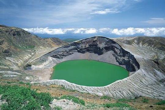 Điêu đứng trước vẻ đẹp 10 hồ núi lửa đẹp ngất ngây - Ảnh 6.