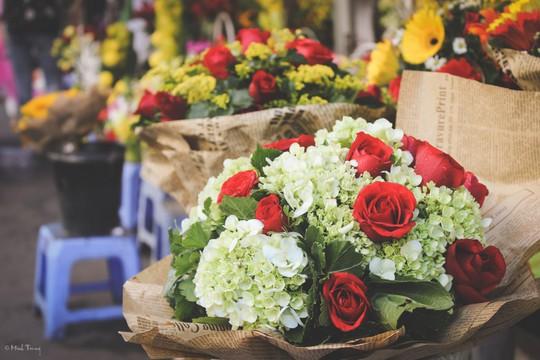 Sắc màu bình dị tại chợ hoa lớn nhất Sài Gòn - Ảnh 18.