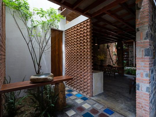 Nhà nhỏ trên cao nguyên Lâm Đồng đẹp như bước ra từ truyện cổ - Ảnh 19.