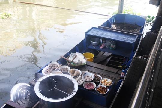 Đi chợ nổi Taling Chan ở Bangkok - Ảnh 19.