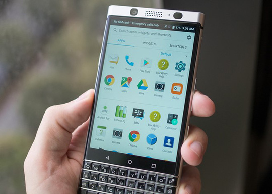 Máy được cho là cài sẵn phiên bản Android 7.0 Nougat.