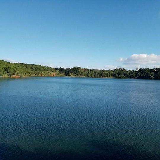 Biển hồ Gia Lai, đôi mắt Pleiku. Ảnh: Sonleysl.