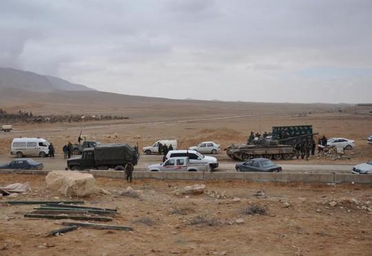 """Quân đội Syria trên mặt đất và sự yểm trợ trên không của Nga là """"công thức"""" tốt nhất cho những nỗ lực chống khủng bố ở Syria. Ảnh: REUTERS"""