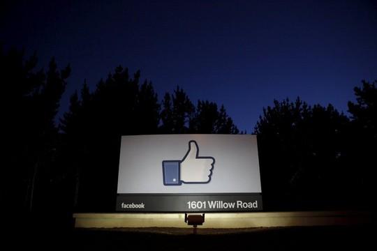 Facebook là mạng xã hội đang được quan tâm và sử dụng nhiều nhất. Ảnh: Reuters