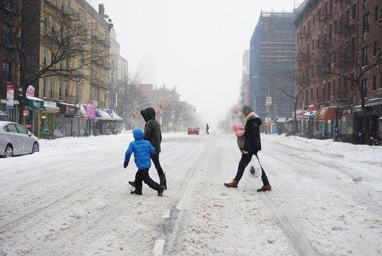 Đường phố ở Manhattan khá vắng. Ảnh: Twitter
