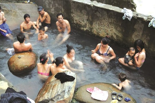 Tắm khoáng nóng đã trở thành một nét văn hóa đặc biệt