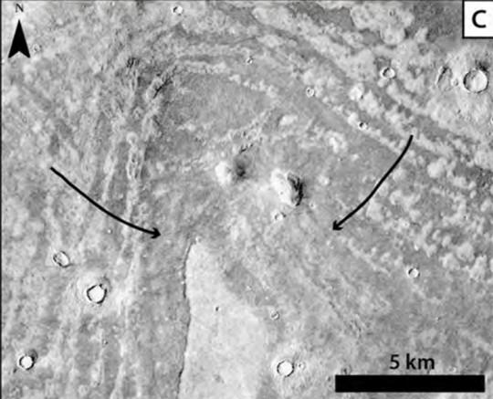 Hình ảnh dấu vân tay giống những gợn nhấp nhô có thể do 2 đợt sóng thần khổng lồ gây ra. Ảnh: JGR – PLANETS