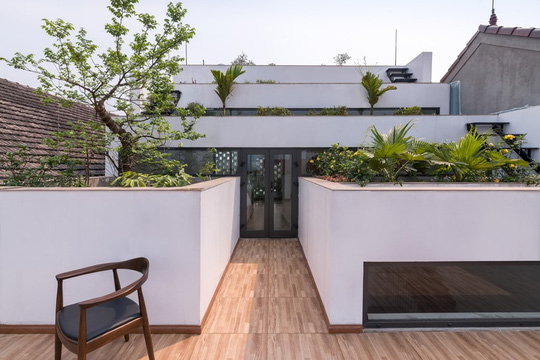 Căn nhà bậc thang này là sự kết hợp giữa kiến trúc và nông thôn trên cơ sở phát triển bền vững.