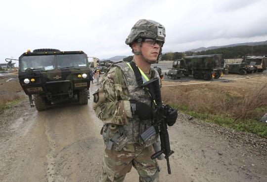 Lính Mỹ - Hàn tập trận chung hôm 11-4. Ảnh: AP