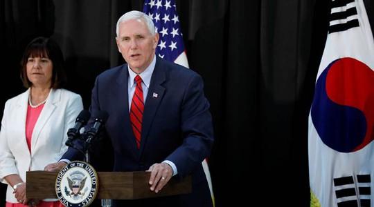 Phó Tổng thống Mỹ Mike Pence phát biểu tại một căn sứ quân sự ở Hàn Quốc ngày 16-4. Ảnh: REUTERS