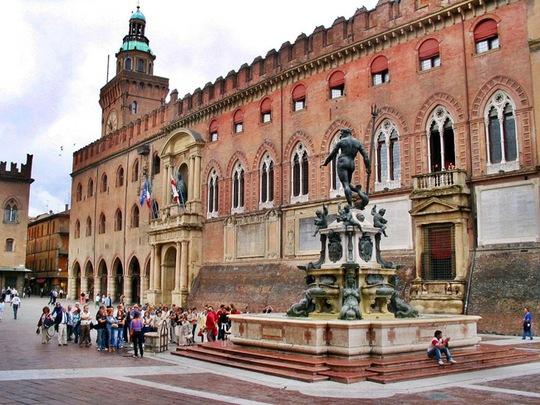 Kiến trúc độc đáo của trường đại học hơn 900 năm tuổi - Ảnh 3.