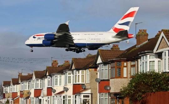 Vì sao máy bay phải bay cao hơn cả đỉnh Everest - Ảnh 3.