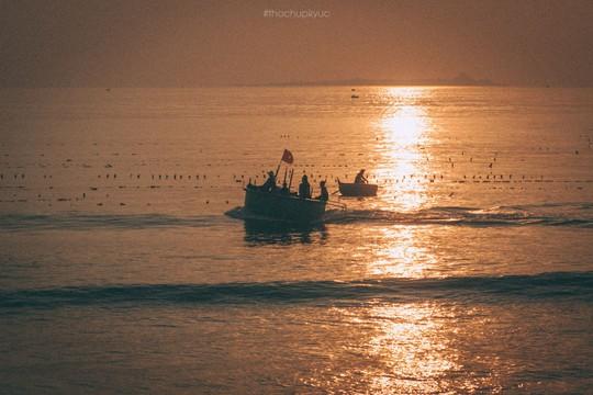 Sướng mắt với biển, đá và cua ở cù Lao Câu - Ảnh 3.