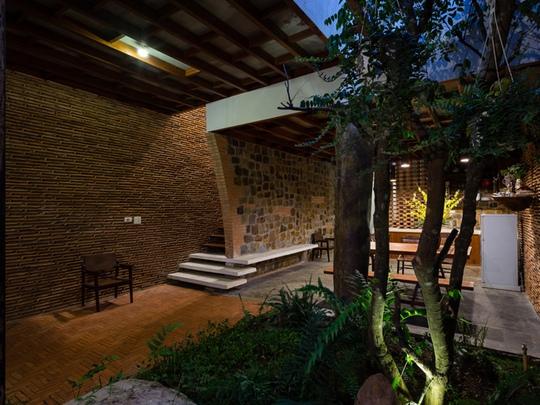 Nhà nhỏ trên cao nguyên Lâm Đồng đẹp như bước ra từ truyện cổ - Ảnh 3.