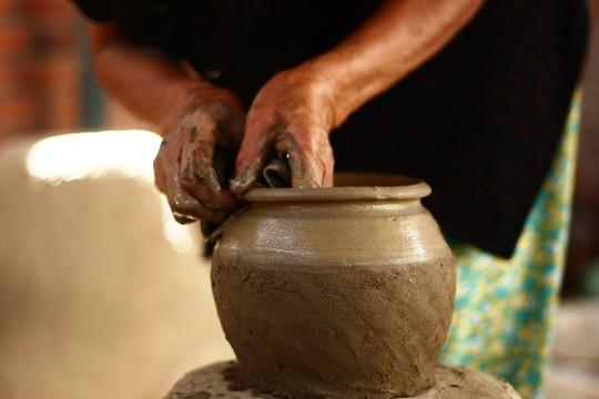 Độc đáo nghệ thuật làm gốm ở Bàu Trúc - Ảnh 3.