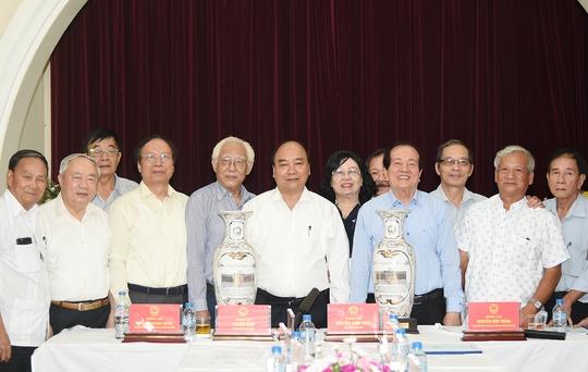 Thủ tướng: Tổng Bí thư đã nêu rõ đóng góp của văn học nghệ thuật - Ảnh 3.