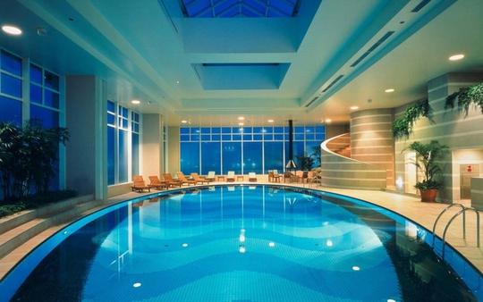 10 khách sạn có bể bơi sân thượng đẹp nhất - Ảnh 3.