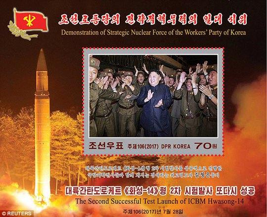 Bộ tem dày đặc tên lửa của Triều Tiên - Ảnh 3.