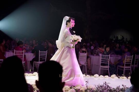 Khoảnh khắc ngọt ngào của hoa hậu Thu Thảo và chồng - Ảnh 3.