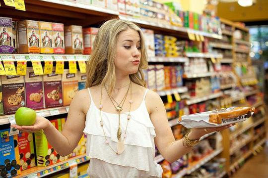 Ai đi siêu thị cũng vướng phải sai lầm này, bảo sao không bị móc ví nhiều hơn - Ảnh 1.