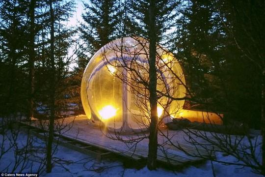 Phòng khách sạn trong suốt ở Iceland - Ảnh 2.